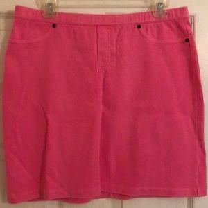 Hue Women's Elastic Waist Mini Skirt White Size S Nwot Women's Clothing Skirts